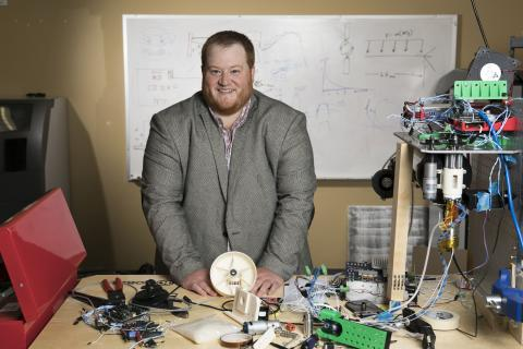 Mike Snyder '09, '11 MS, a pioneer in 3D printing in space, is a 2018 recipient of the William Oxley Thompson Award from The Ohio State University Alumni Association.